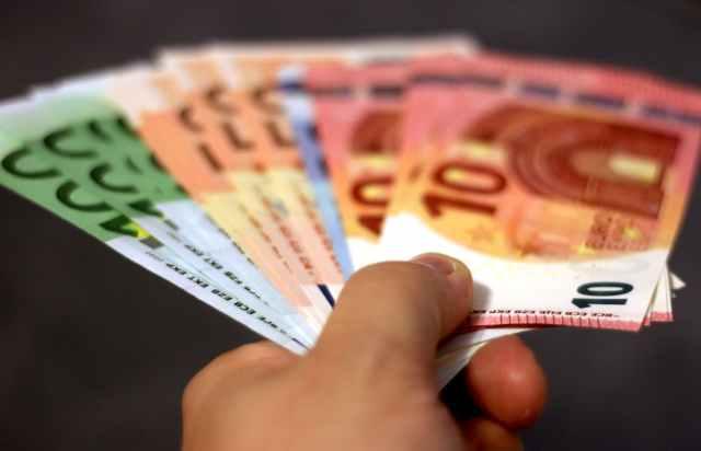 bank notes banknotes bills cash